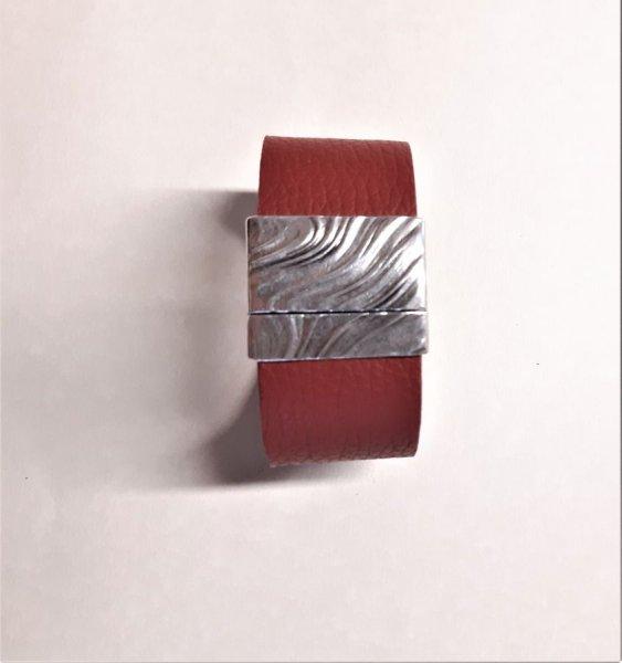 Bracelet cuir vachette rouge fermoir magnétique