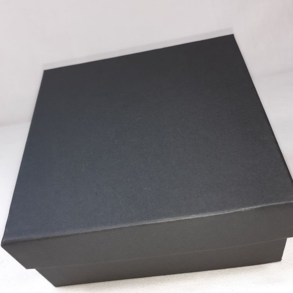 Ceinture cuir vachette, tannage végétal, coloris noir.
