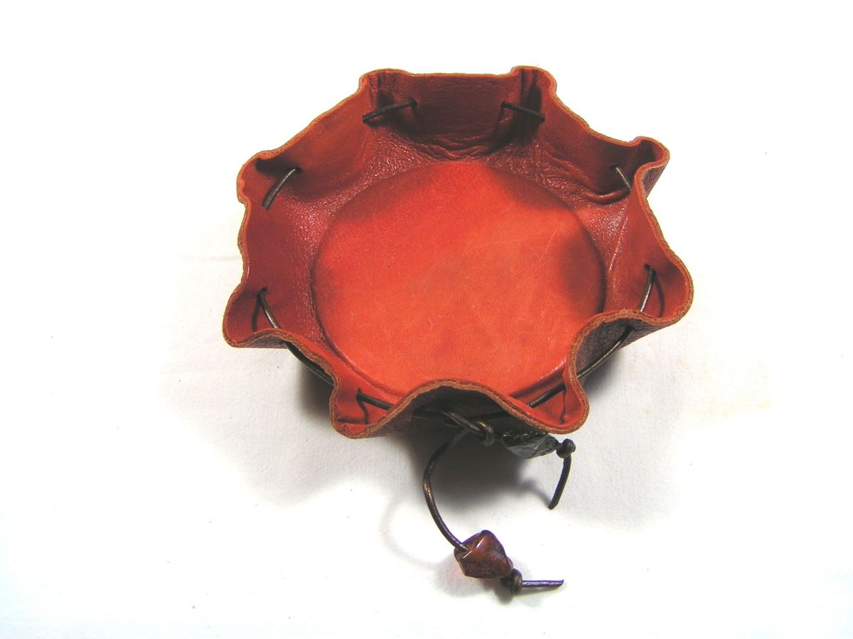 Bobine de 50m Cordon cuir rond  diamètre 2mm coloris noir