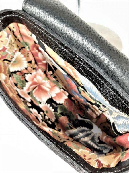 Sac bandoulière cuir vachette,imprimé façon croco,fabrication artisanale coloris noir